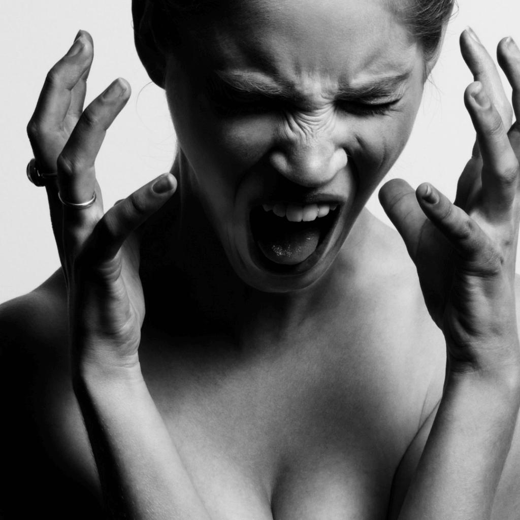 women - panic attack